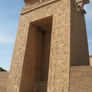 Ramses ii karnak temple-in-luxor-Egypt2