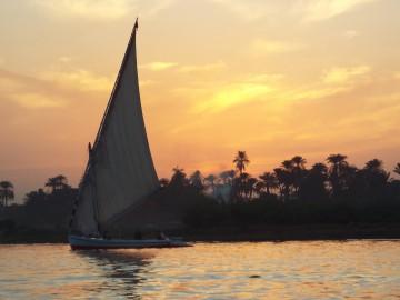 Sunset_in_Luxor-Egypt2